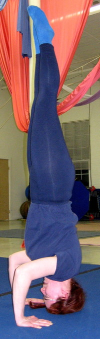Kate_headstand